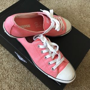 CONVERSE - GREAT pair! Sz. 7
